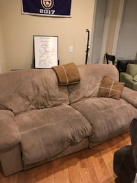 Reclining couch in great shape! Boston, 02127