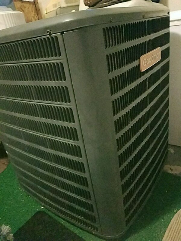 black and gray 4 ton 410 AC Unit for home