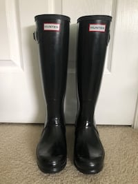 Hunter tall glossy boot size 6 Frederick, 21702