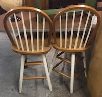two brown wooden windsor chairs Ridley Park, 19078