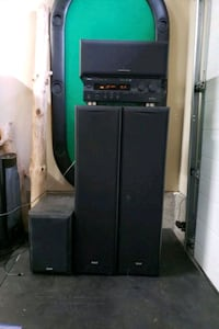 Yamaha receiver and speaker combo Surrey, V3S 1T5