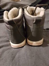 pair of gray leather high-top sneakers Toronto, M1L