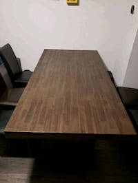 Solid wood dining table Mississauga, L5M 6J3