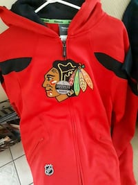 Blackhawks zip-up hoodie medium SIZE