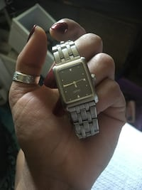 square silver-colored analog watch with link bracelet Burnaby, V3J