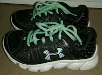 UNDER ARMOUR KID SHOES SIZE 12 IN KIDS  Richland, 99352