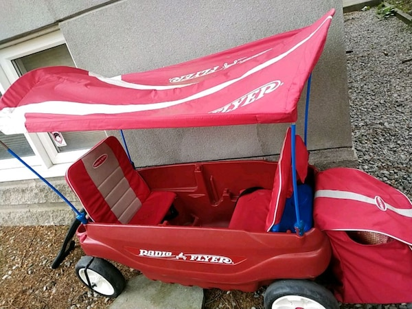Radio Flyer Double Wagon With Canopy