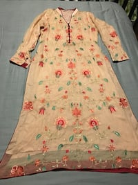 white and pink floral dress Toronto, M1K 2E8