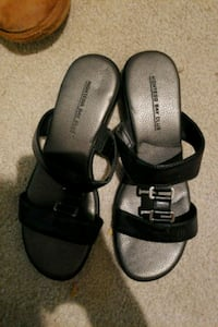 Womens Silver and Black Sandals size 7 1/2 West Des Moines, 50265