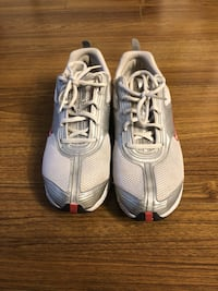 Women's Nike Sneakers - sz 9.5 Burnaby, V3N 5C1