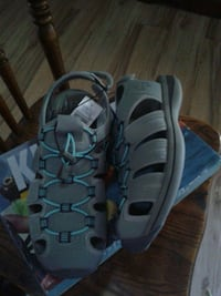 pair of gray-and-blue sandals Anaheim, 92805