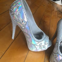 Silver bejewelled stilettos. Size 8.5   Montreal