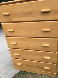 Solid  oak wood dresser. Kensington, 20895