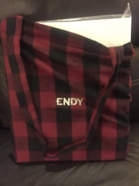 Sheet Set (Endy) Queen White with Red and black endy shoulder bag incl Toronto, M5R 3C2