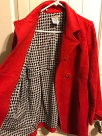 red and black hound's tooth-print button-up blazer