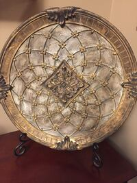 Decorative Plate and Stand.  Very unique piece!! Vaughan, L4H 2P1