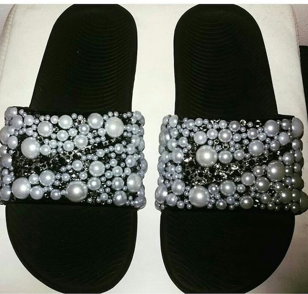 buy online 7b350 a1e88 Customized Nike slippers