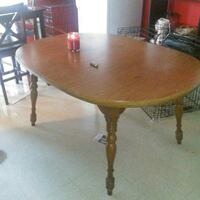 Solid wood table, with 4 chairs Clarksville, 47129
