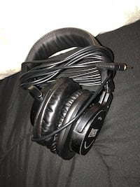 black and gray corded headphones Culloden, 25510