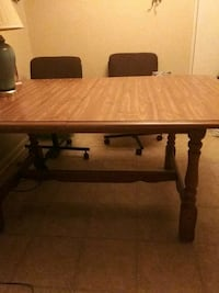 6 and 1/2 by 51/2 very nice table with leaf Malvern, 72104
