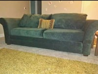 Emerald green couch in great condition Columbia, 29203