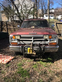 Dodge - Ramcharger - 1989 I bought it a few years ago, drove it around a bit when fuel lines began to leak, parked it and it's been there since 1 1/2 -2 years   318 motor low mileage on truck less than 80,000