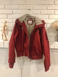 Bench Red and black zip-up jacket 马卡姆, L3P 6W2