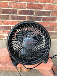 "Fan 8"" 3-speed air circulator Gainesville, 20155"