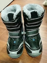 pair of black-and-white snowboard boots Coquitlam, V3B