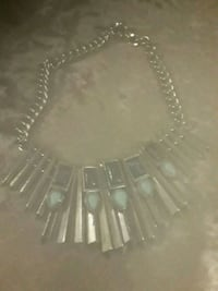 beautiful heavy necklace