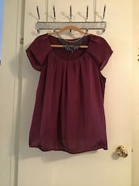Women's Cropped sleeve maroon silky blouse size extra large Saint Augustine, 32086