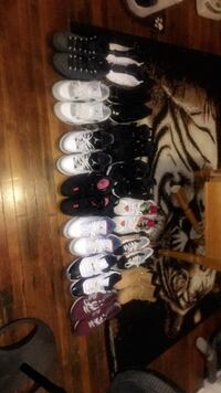 assorted pairs of shoes lot Canton, 44703
