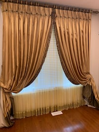 Beautiful custom made drapery (all hardware and accessories included) Vaughan, L4L 9N4