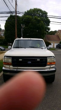 1994 - Ford - F-250 Tow Truck