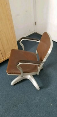 Vintage, mid-century executive office chair San Diego, 92117