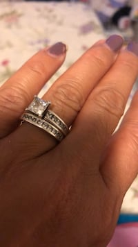 Gold plated titanium wedding and engagement ring with 11/2 carat cubic princess cut cubic zirconia bought for $300 Brampton, L6T 0G2