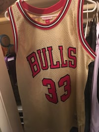 white and red Chicago Bulls 23 jersey New Orleans, 70118