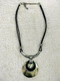 silver-colored pendant necklace Paoli, 19301