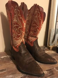 pair of brown leather cowboy boots Cherokee, 35616