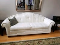 like new cream couch Vaughan, L4H 2P8