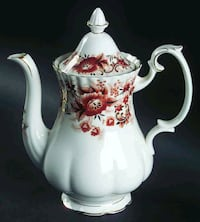 Beautiful Set of Royal Albert Keepsake  for 8  528 km
