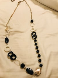 Black and White Necklace San Antonio, 78023