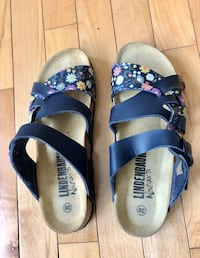 New Sandals 6.5 $21 Roots $8