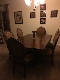 Dining  room set Aldie, 20105