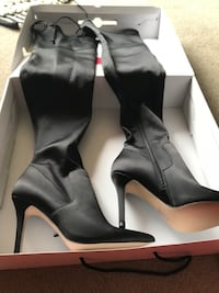 Brand new knee high boots size 7 London, N5Y 4V4