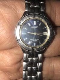Seiko watch , needs new battery  North Vancouver, V7K 2H4