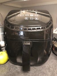 Air fryer fairly new only used once Glenarden, 20706