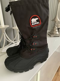 pair of black Sorel duck boots Longueuil, J4R 2H9