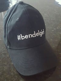 Henri Bendel womens hat Chicago
