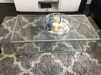 round clear glass top table Whitby, L1R 0N7